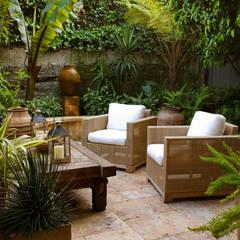 Hayes Street - Sao Francisco: Jardins ecléticos por Antonio Martins Interior Design Inc