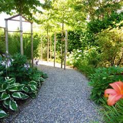 Pocket Park: landhausstil Garten von Lustenberger Schelling Landschaftsarchitektur