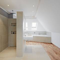 Bathroom: modern Bathroom by Baufritz (UK) Ltd.
