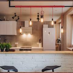 LOFT 40x40: Кухни в translation missing: ru.style.Кухни.loft. Автор - дизайн студия Антона Сухаева