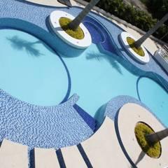 perspectiva piscina.: Piscinas de estilo moderno por Camilo Pulido Arquitectos