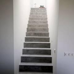 flur diele und treppenhaus einrichtung ideen homify. Black Bedroom Furniture Sets. Home Design Ideas