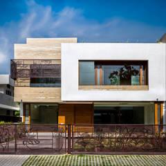 Exteriors: minimalistic Houses by Purnesh Dev Nikhanj Photography