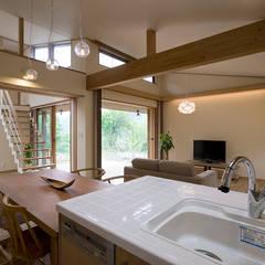 奈良町の家: ATELIER Nが手掛けたtranslation missing: jp.style.キッチン.eclecticキッチンです。