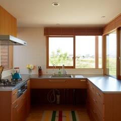 ダイチノイエ: toki Architect design officeが手掛けたtranslation missing: jp.style.キッチン.modernキッチンです。