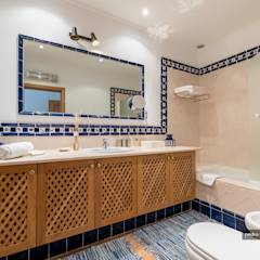 Real Estate Photography in Algarve: Casas de banho clássicas por Pedro Queiroga   Fotógrafo