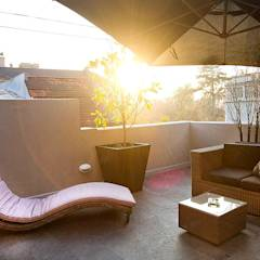 Hotel Boutique Lastarria: Hoteles de estilo translation missing: cl.style.hoteles.clasico por PICHARA + RIOS arquitectos