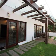 Terrace garden: modern Garden by Ansari Architects