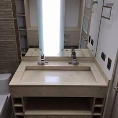 Detalle de lavamanos doble con mueble inferior: Baños de estilo moderno por ALSE Taller de Arquitectura y Diseño