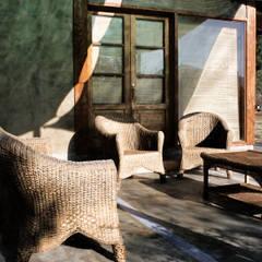 CASA TAU: Terrazas  de estilo translation missing: cl.style.terrazas-.rural por ALIWEN arquitectura & construcción sustentable