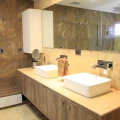 APTO PS: Baños de estilo moderno por JAVC ARQUITECTOS S.C