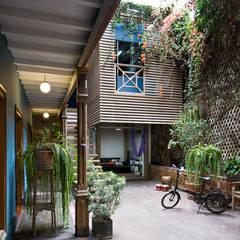 Casa Azul: Jardines de estilo moderno por Marina Vella Arquitectura