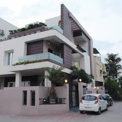 Duplex at Indore: asian Houses by Shadab Anwari & Associates.