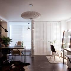 소품이 돋보이는 집: 디자인투플라이의 translation missing: kr.style.거실.industrial 거실