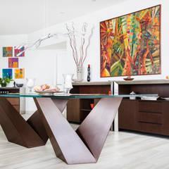 Diseño de mesa: Comedores de estilo moderno por Carughi Studio