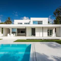 Casa Herrero | 08023 architects: Piscinas de estilo moderno de Simon Garcia | arqfoto