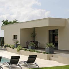 Jardin: Maisons de style de style Méditerranéen par Pierre Bernard Création