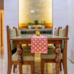 Dinning: eclectic Dining room by Saar Interior Design