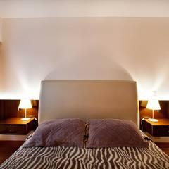 Dormitorio secundario: Cuartos de estilo ecléctico por Carughi Studio