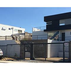 Casa Vasquez: Casas de estilo moderno por Herman Araya Arquitecto y constructor