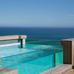 HOUSE  I  ATLANTIC SEABOARD, CAPE TOWN  I  MARVIN FARR ARCHITECTS: modern Pool by MARVIN FARR ARCHITECTS