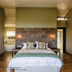 House Wolmarans: modern Bedroom by Coetzee Alberts Architects