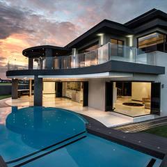 Residence Calaca: modern Houses by FRANCOIS MARAIS ARCHITECTS