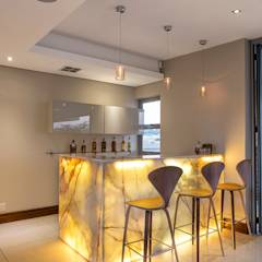 Residence Naidoo: modern Kitchen by FRANCOIS MARAIS ARCHITECTS
