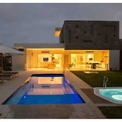 Incredible modern house in the heart of Ballito: modern Pool by CA Architects