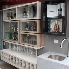 Bar: Terrazas de estilo translation missing: pe.style.terrazas.moderno por Soluciones Técnicas y de Arquitectura