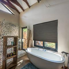 Main Bathroom: modern Bathroom by OLIVEHILL Architects