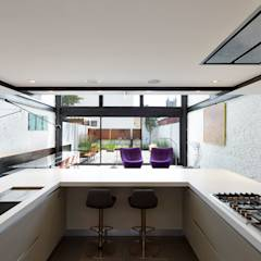 Salt + Pepper House: modern Kitchen by KUBE Architecture