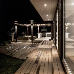 CASA RH: Terrazas  de estilo translation missing: cl.style.terrazas-.escandinavo por ESTUDIO BASE ARQUITECTOS