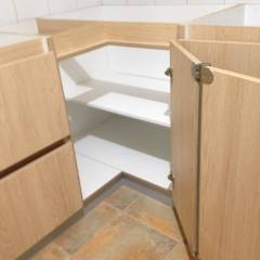 carvallo (cocina moderna): Cocinas de estilo minimalista por N.Muebles Diseños Limitada