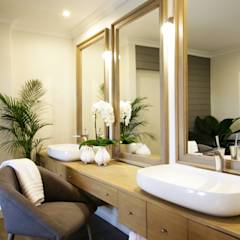 Bathroom 4: eclectic Bathroom by JSD Interiors