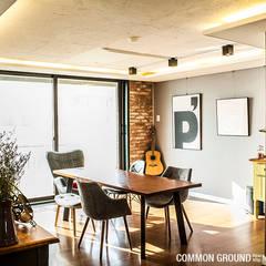 31평형 성수동 현대아파트: 커먼그라운드의 translation missing: kr.style.거실.industrial 거실