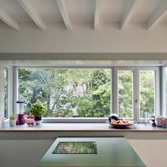 kitchen: modern Kitchen by brandt+simon architekten
