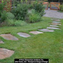 Stepping Stones: classic Garden by John Toates Architecture and Design