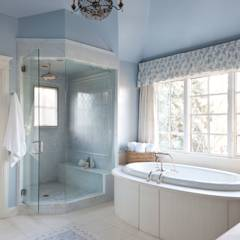 Belcaro Beauty: classic Bathroom by Andrea Schumacher Interiors
