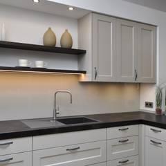 landhaus k chen ideen inspiration homify. Black Bedroom Furniture Sets. Home Design Ideas
