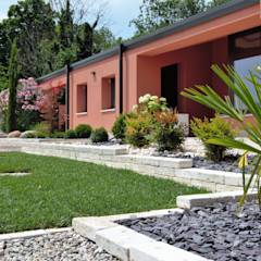 : Giardino in stile in stile Moderno di Lugo - Architettura del Paesaggio e Progettazione Giardini