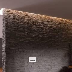 Destaca la elegancia y el diseño de tus espacios en toda su expresión con TotalStone.: Baños de estilo translation missing: ve.style.baños.rustico por FORMICA Venezuela