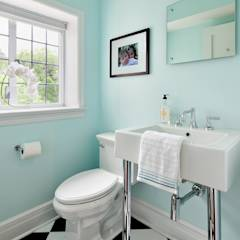 Powder Room: modern Bathroom by Clean Design