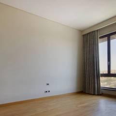 تشطيب شقة 6 اكتوبر: translation missing: eg.style.غرفة-نوم.modern غرفة نوم تنفيذ YAS interior designs