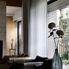 境靜: translation missing: tw.style.窗戶與門.minimalist 窗戶與門 by 大言室內裝修有限公司