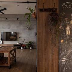 HWH house: translation missing: tw.style.客廳.industrial 客廳 by 珞石設計 LoqStudio