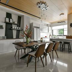 光度與空間: translation missing: tw.style.廚房.modern 廚房 by 皇室空間室內設計