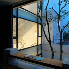 Four season house: translation missing: tw.style.臥室.modern 臥室 by 夏沐森山設計整合