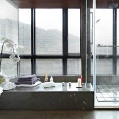 緞鋼: translation missing: tw.style.浴室.eclectic 浴室 by 大晴設計有限公司
