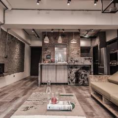 竹東 PC House: translation missing: tw.style.庭院.industrial 庭院 by 丰墨設計   Formo design studio